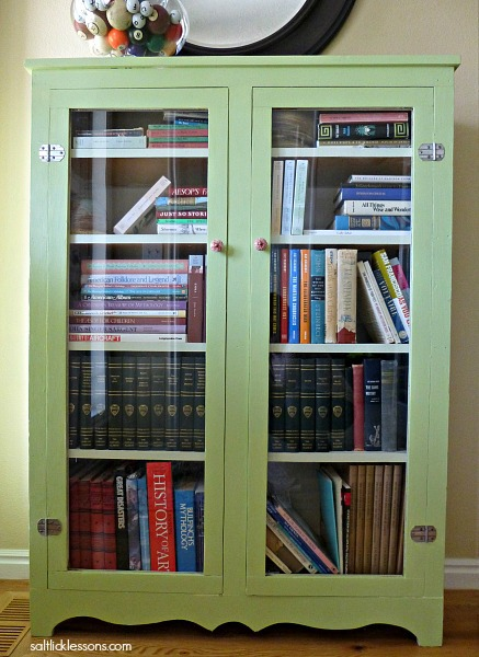 Painted bookcase DIY project